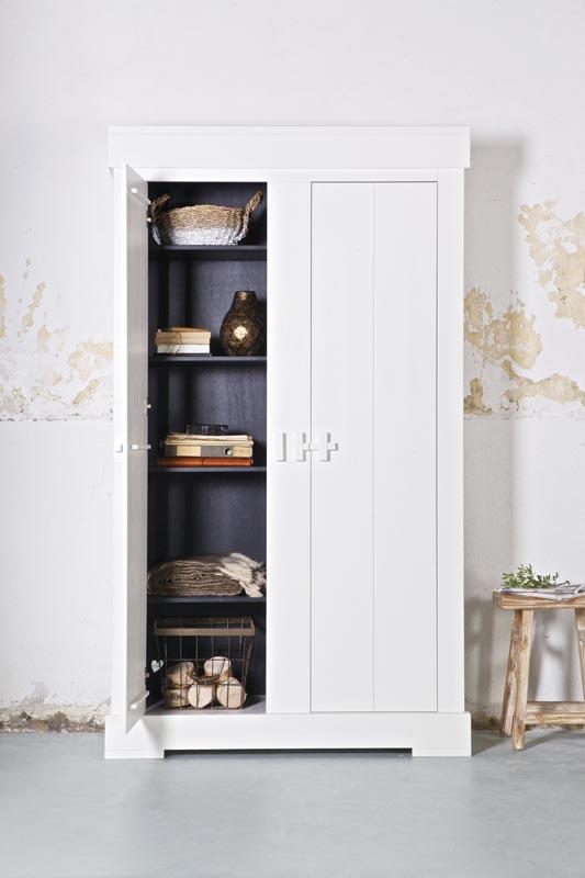 armoire design en bois blanc thais miliboo. Black Bedroom Furniture Sets. Home Design Ideas