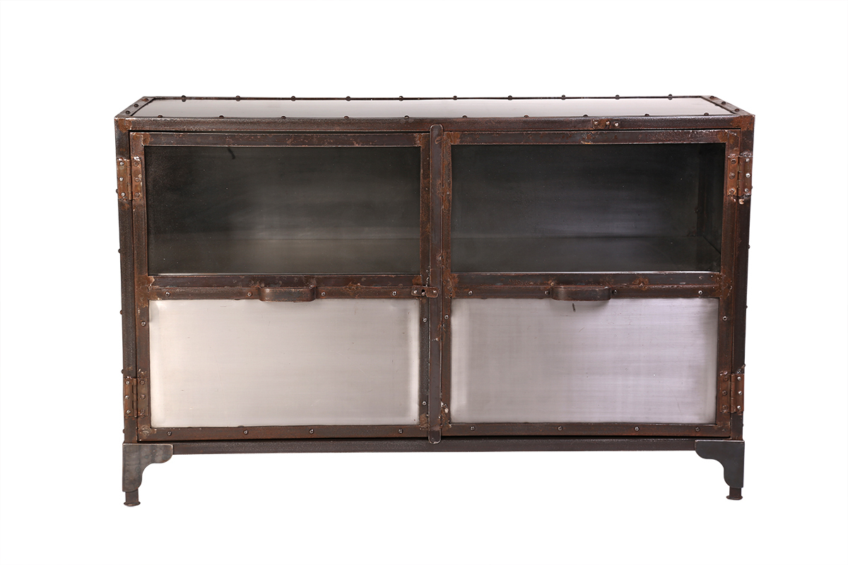 Buffet m tal industriel 2 portes factory miliboo for Miliboo buffet