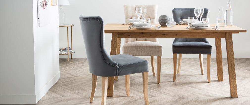 Chaise classique velours bleu foncé pieds bois clair GUSTAVE