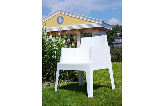 Chaises de jardin design blanc lot de 4 lali miliboo - Mobilier de jardin blanc versailles ...