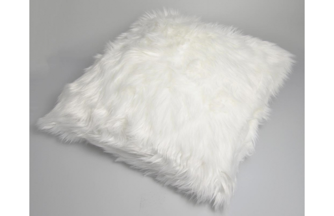 coussin 30 x 50 fausse fourrure blanc wolf miliboo. Black Bedroom Furniture Sets. Home Design Ideas