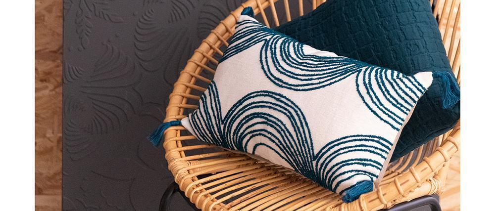 Coussin brodé avec pompons bleu 30 x 50 cm ONDE