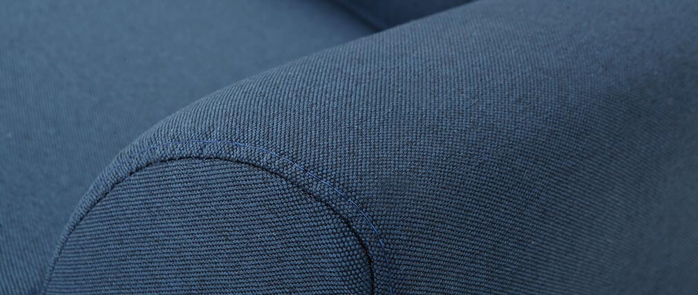 Fauteuil design tissu bleu et pieds noyer EKTOR