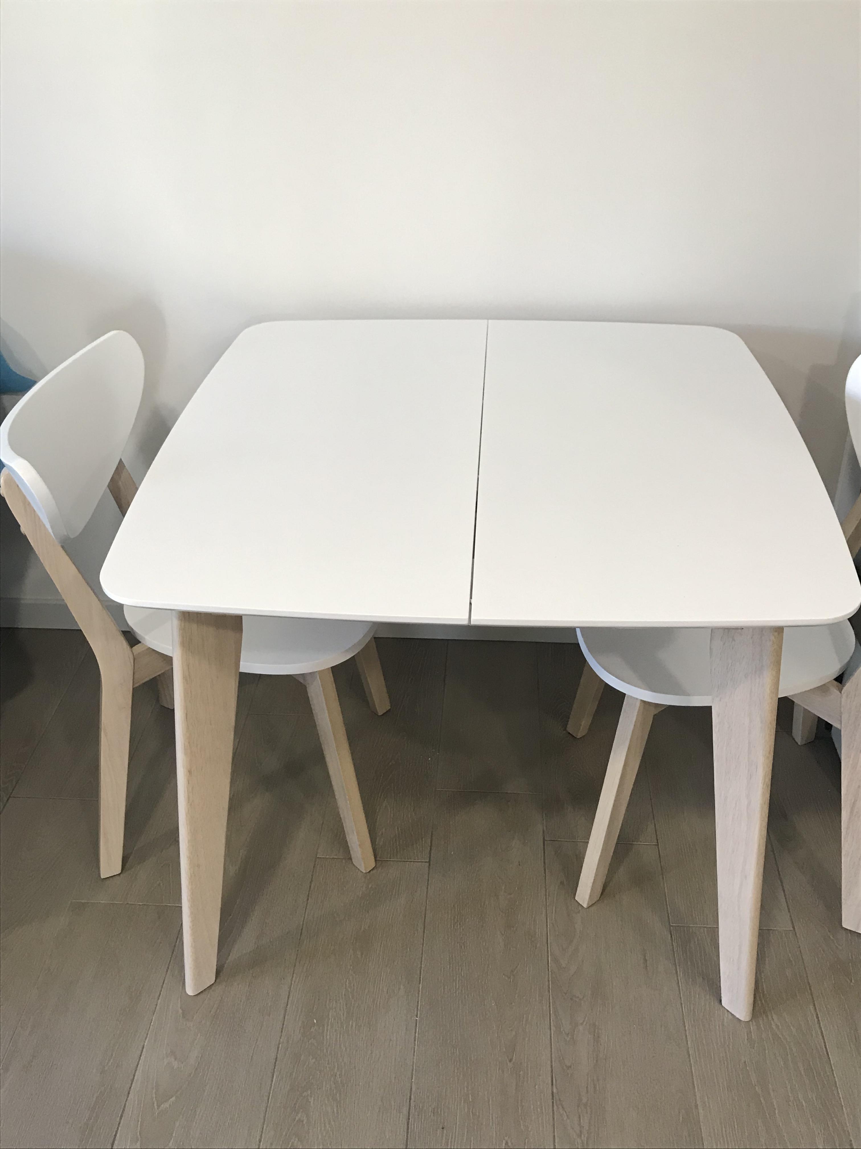 Tavolo Da Pranzo Allungabile Scandinavo Quadrato Bianco E Legno L90 130 Leena Miliboo