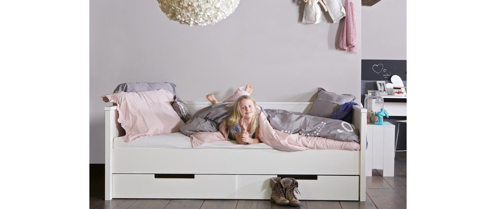 lit enfant en pin blanc avec sommier et tiroirs de rangement gow miliboo. Black Bedroom Furniture Sets. Home Design Ideas