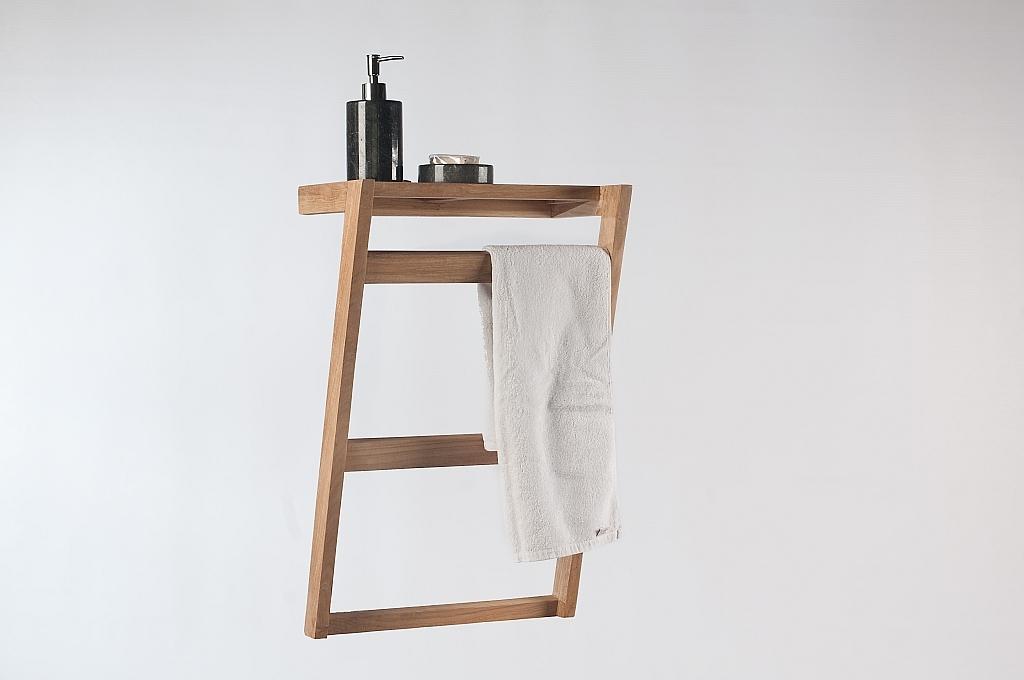 porte serviette mural en teck aki miliboo. Black Bedroom Furniture Sets. Home Design Ideas