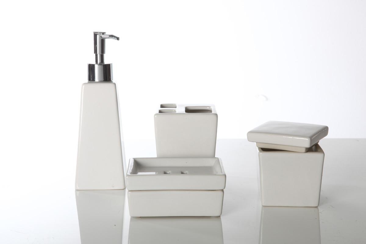 set d 39 accessoires de salle de bain design c ramique blanc spirit miliboo. Black Bedroom Furniture Sets. Home Design Ideas