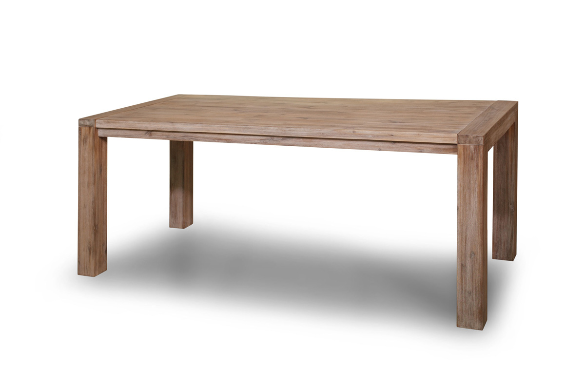 Table manger design bois massif sienna miliboo - Table a manger en bois massif ...
