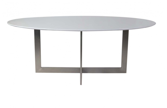 Table manger ovale en bois blanc et acier killie miliboo for Table a manger bois blanc