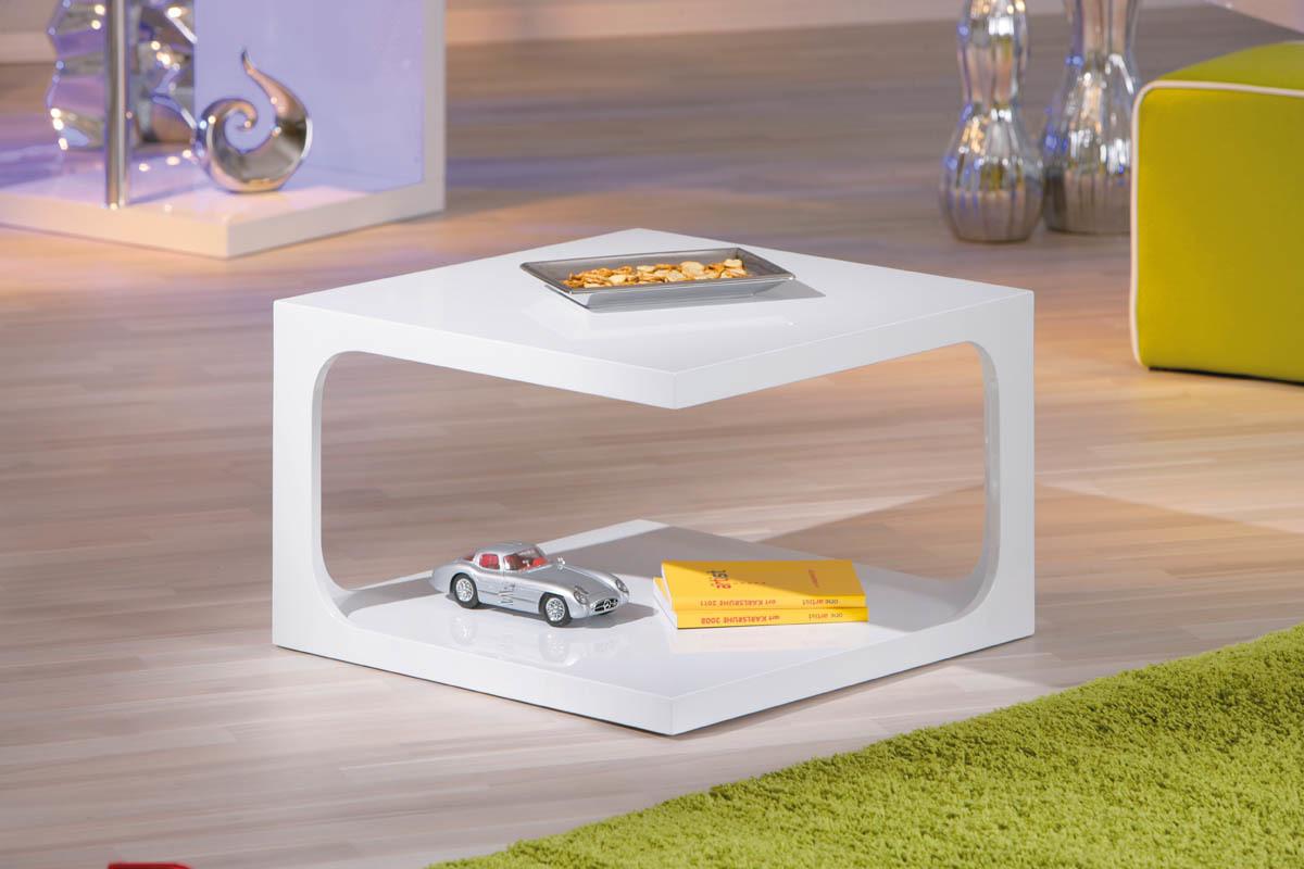 table basse design carr e blanche cosma miliboo. Black Bedroom Furniture Sets. Home Design Ideas