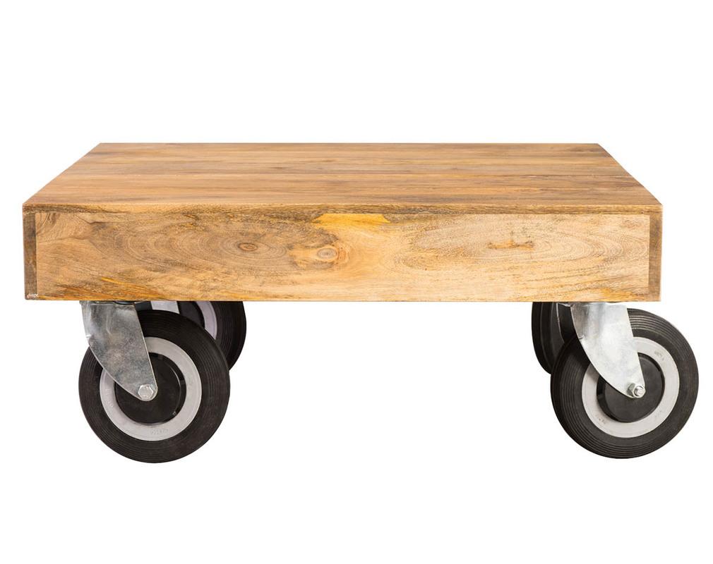 Table Basse Design Industrielle Carree A Roulettes 80x80 Cm
