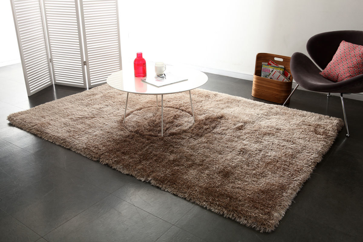 tapis shaggy taupe 160x230 cm ugo miliboo. Black Bedroom Furniture Sets. Home Design Ideas